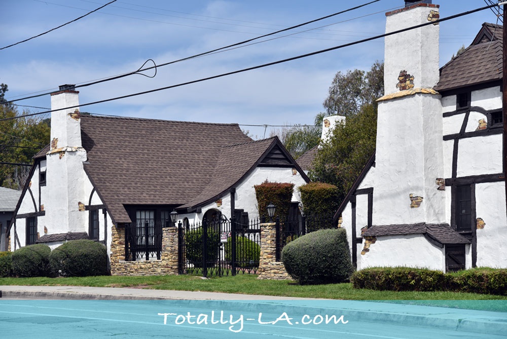 Snow White Cottages Los Feliz Totally La